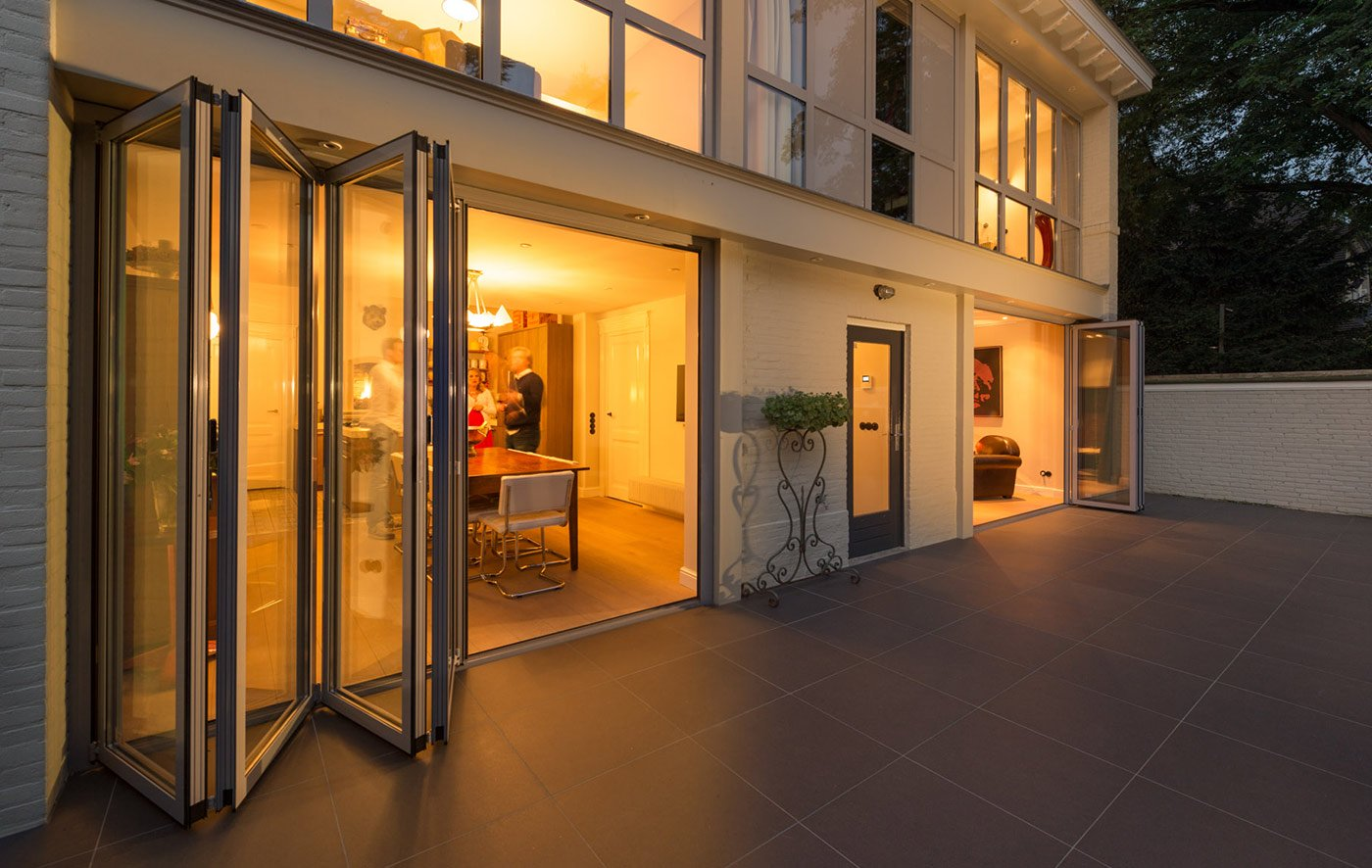 glas faltwand fenster t ren und winterg rten l neburg nielsen bauelemente. Black Bedroom Furniture Sets. Home Design Ideas